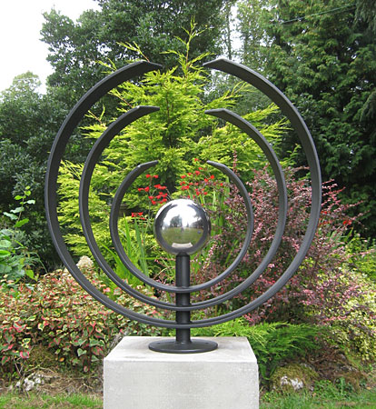 sculpture for gardens and parks in metal