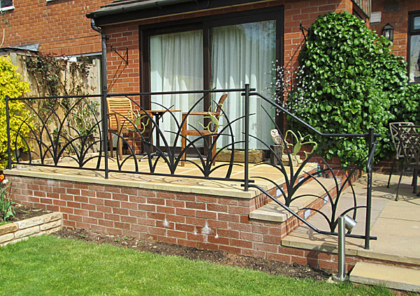 metal garden railings with organic theme